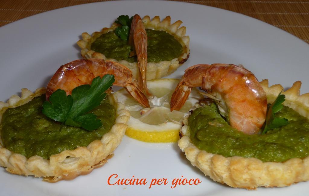 cucina per gioco Tartine con crema di asparagi e gamberi