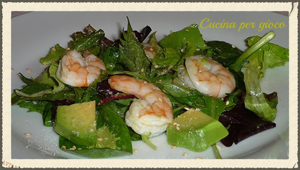 cucina per gioco Insalata di avocado e gamberi