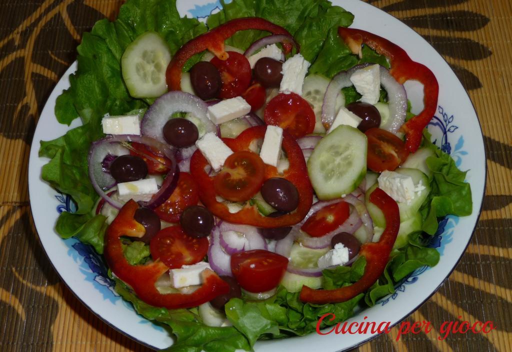 cucina per gioco insalata greca