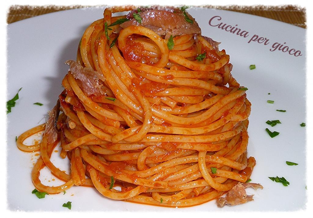 cucina per gioco spaghetti con acciughe