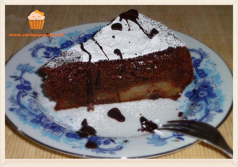 cucina per gioco torta cioccolato e pere